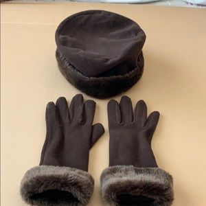 Accessories - Woman's winter hat and gloves